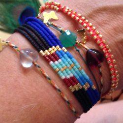 Accumulations de différents bracelets créés par Florence